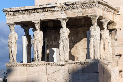 ganeczek-kariatydy-w-erechtheion-starozytny-grek-swiatynia-na-polnocnej-stronie-akropol-ateny-grecja